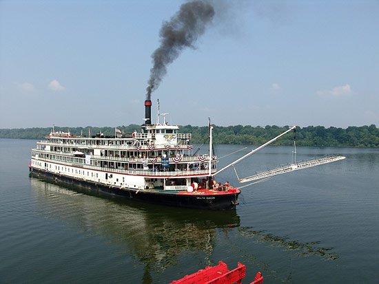 racong the Mississippi Queen