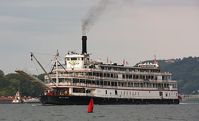 Delta Queen at Anderson Ferry
